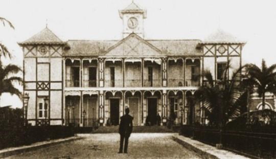 Haiti_Ntl_Palace_1912(1)