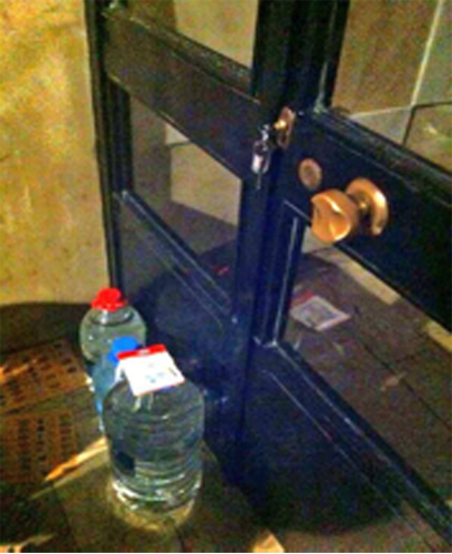 Kadikoy's residents leave keys to buildings to provide shelters to protesters from riot police. The water bottles are to relieve from the effects of tear gas.